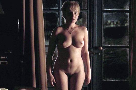 Karina Smulders Nude